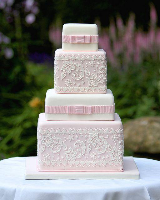 bolo casamento renda rosa