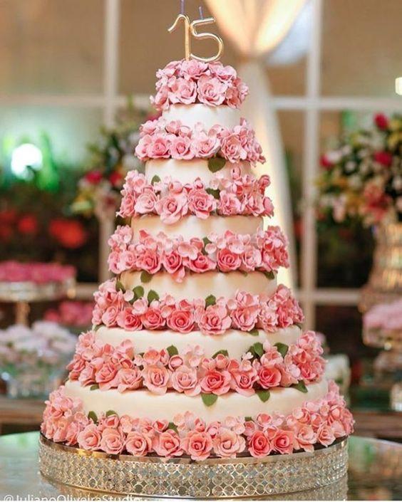 bolo decorado 15 anos florido