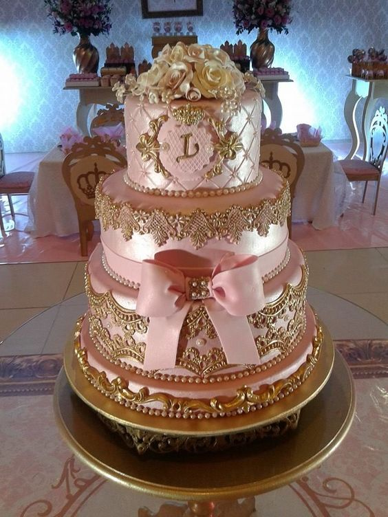 bolo decorado 15 anos rosa