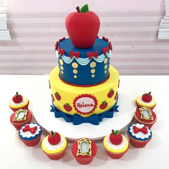 bolo festa branca neve cupcakes