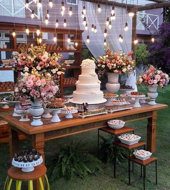 decoracao casamento simples mesa bolo madeira