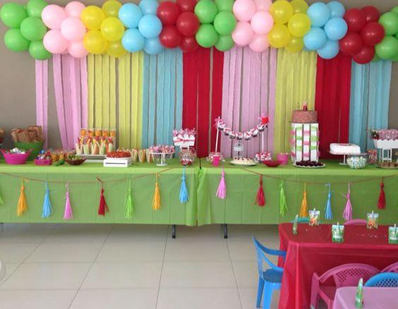 decoracao festa papel crepom mesa