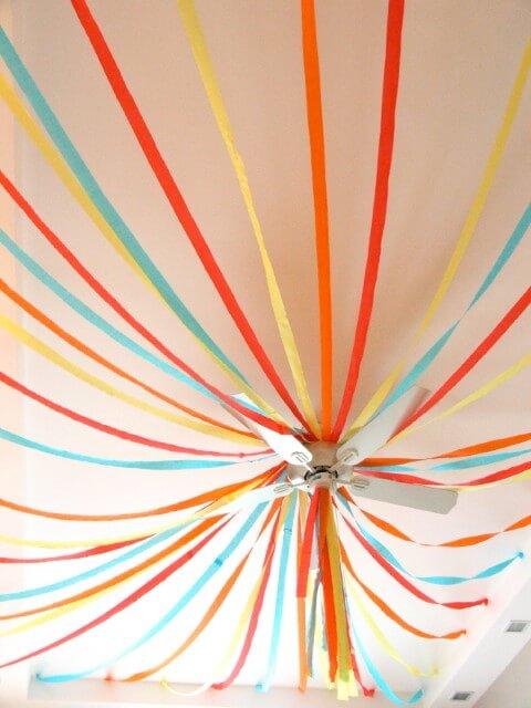 decoracao festa papel crepom teto