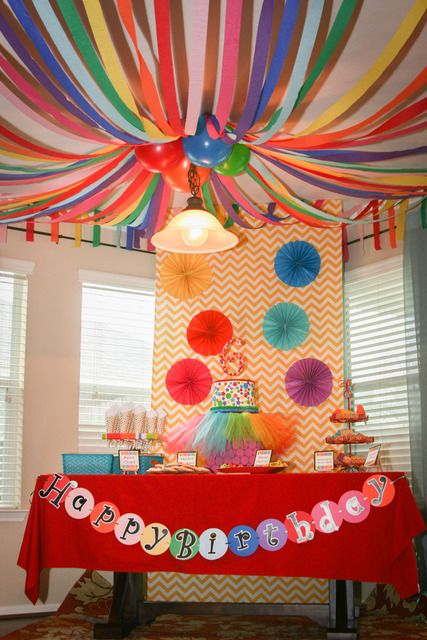 decoracao papel crepom teto 3