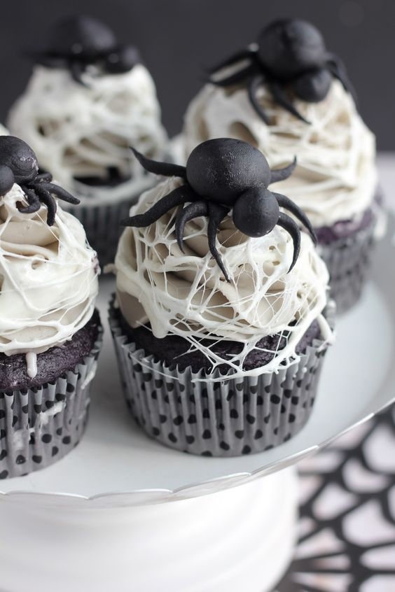 doces halloween cupcakes