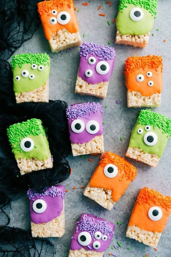 doces halloween monstros