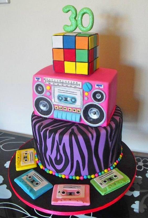 festa anos 80 bolos cubo