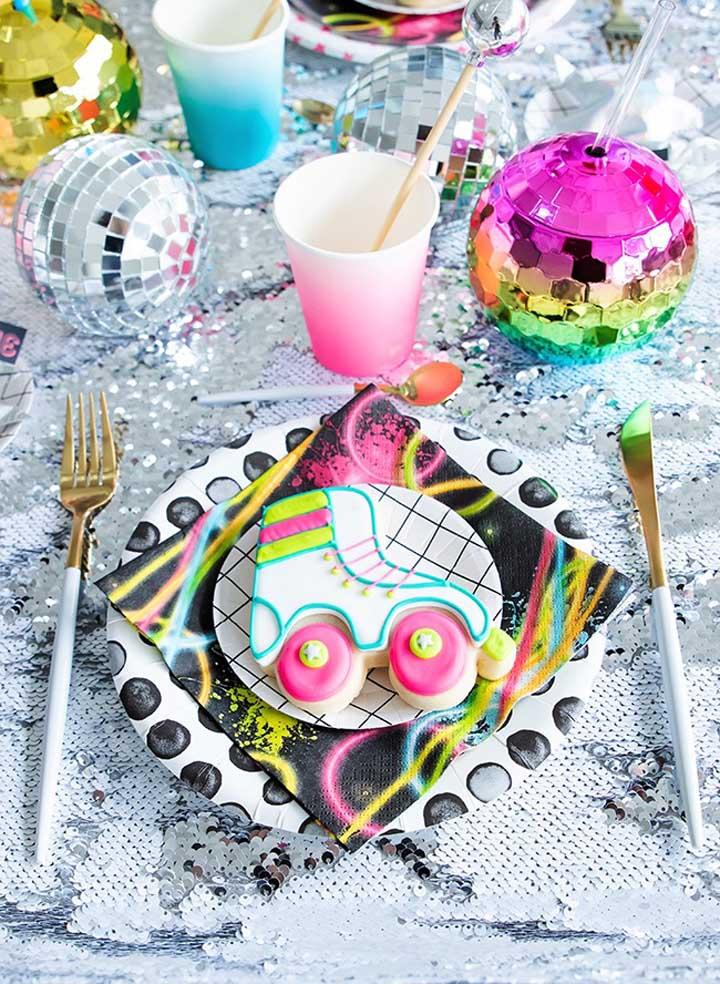 festa anos 80 decoracao docinhos