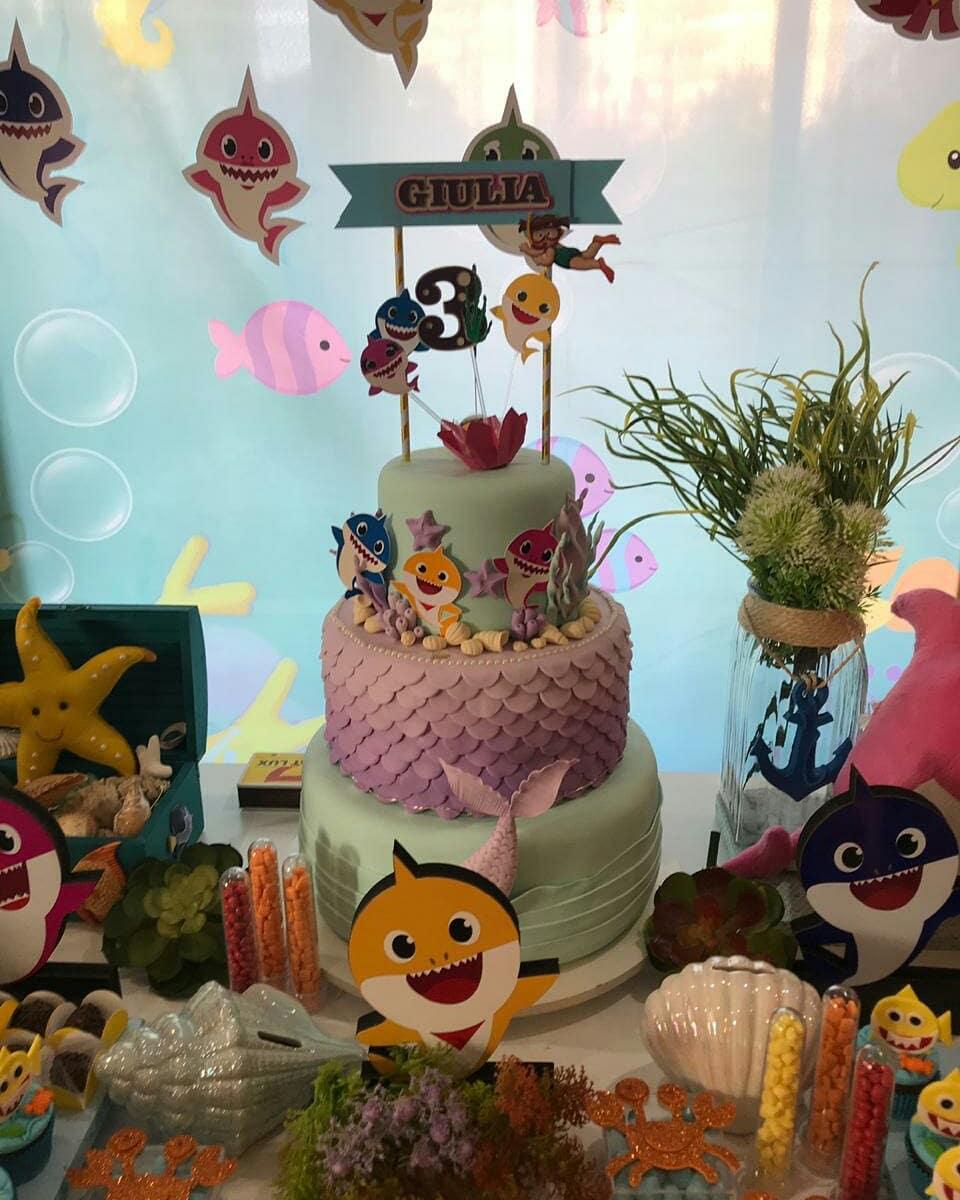 festa baby shark bolo