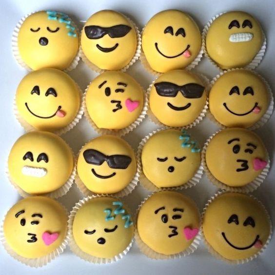 festa emoji docinhos cupcakes