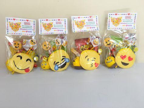 festa emoji lembrancinha doces