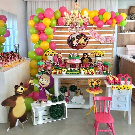 festa masha urso decoracao madeira