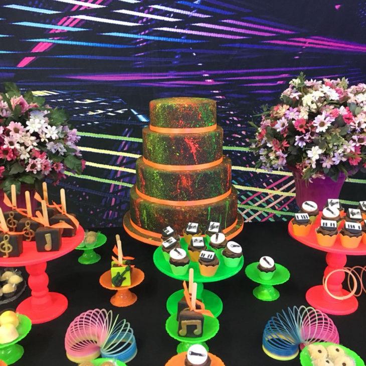 festa neon bolo 1