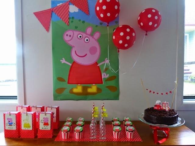 festa peppa pig decoracao simples vermelha