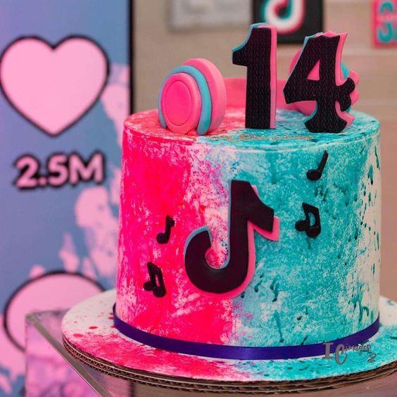 festa tik tok bolo decorado